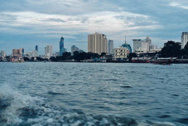 По реке в Чайна Таун