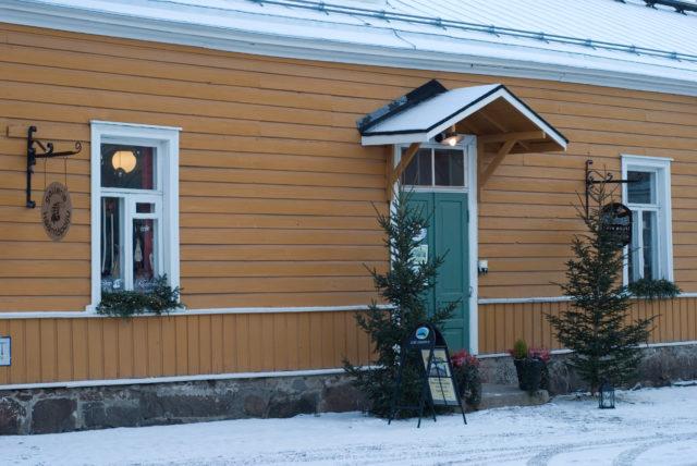 Елки еще напоминают о праздниках, но финские выходные уже закончились