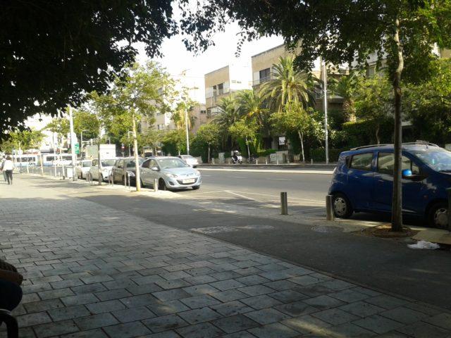 Типичная улица в Тель-Авиве